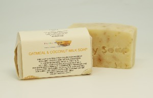 1 PIECE OATMEAL & COCONUT MILK SOAP, FRAGRANCE FREE, NATURAL & HANDMADE, APPROX 65G