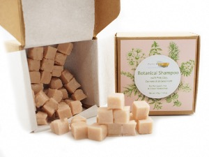 Botanical Shampoo Cubes with Pink Clay & Geranium - for Damaged & Fine Hair, 40g