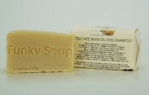 1 PIECE TEA TREE AND NEEM OIL DOG SHAMPOO, AGAINST FLEES & TICKS, NATURAL & HANDMADE, APPROX 65G