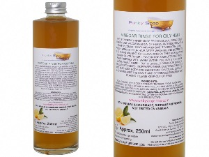 Vinegar Rinse For Oily Hair, 100% Natural & Free Of Chemicals, Glass Bottle of 250ml